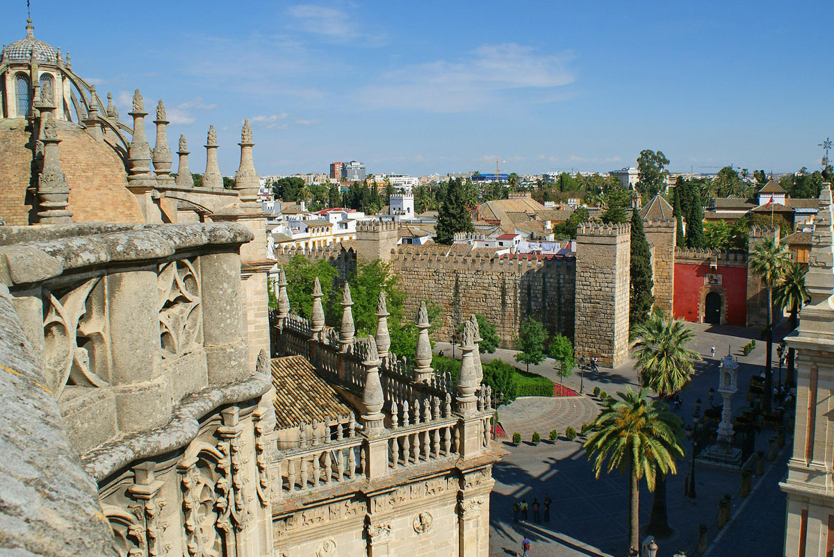 A private tour on the roofs of Seville Cathedral