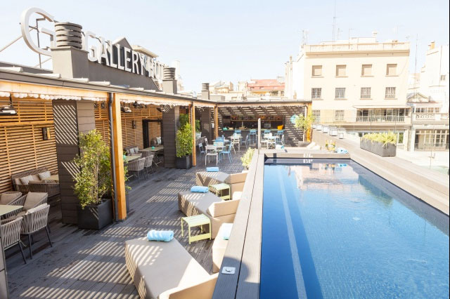Rooftop lounge pool at Gallery Hotel Barcelona, Cúrate Trips