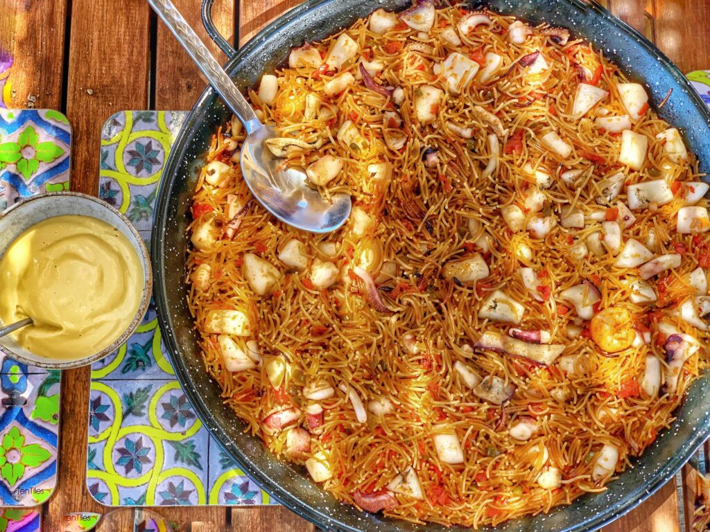 Recipe of fideua, a noodle paella from Spain, by Paladar y Tomar