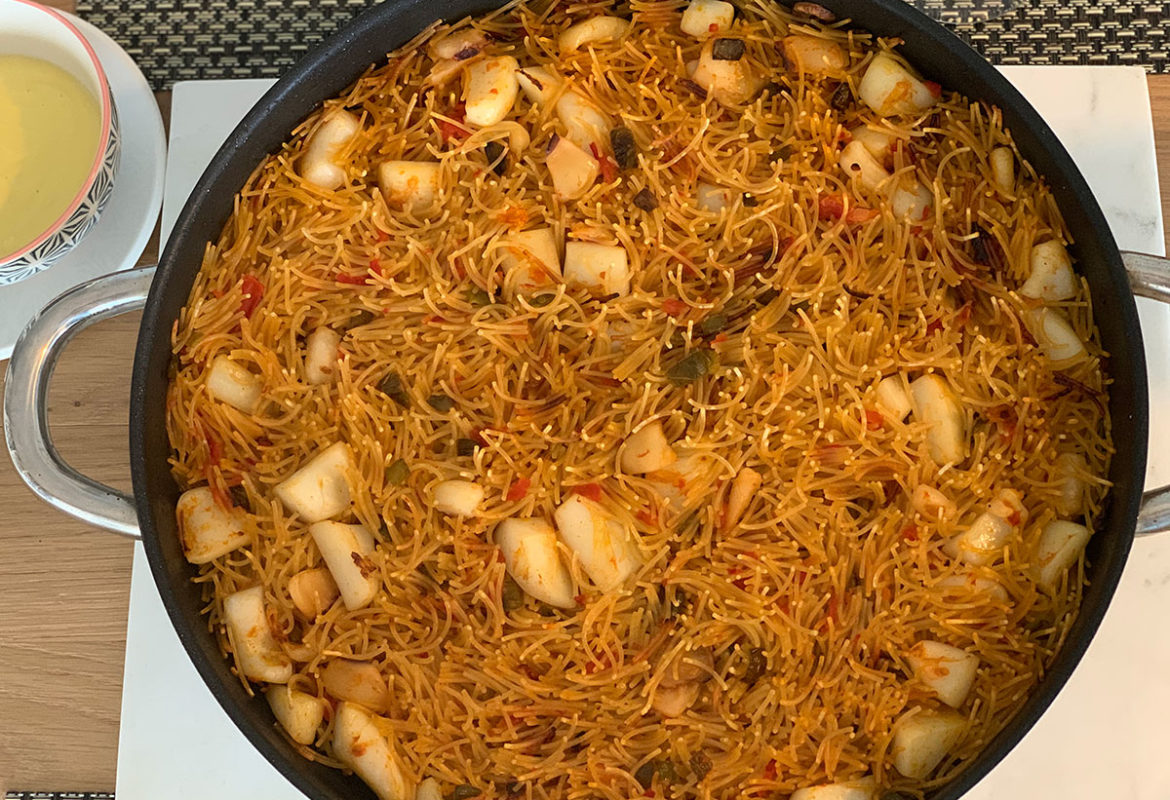 Recipe of fideua, noodle paella
