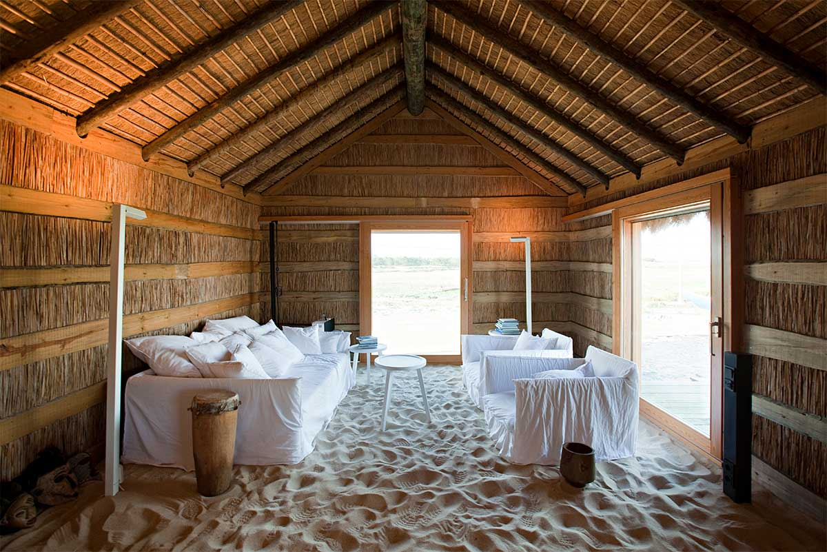 Eco-friendly hotel in Comporta for a mindful travel, arrangements by Paladar y Tomar