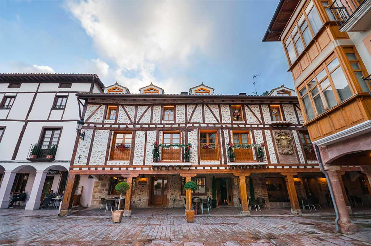 Ezcaray, a charming village in La Rioja, Spain, Paladar y Tomar