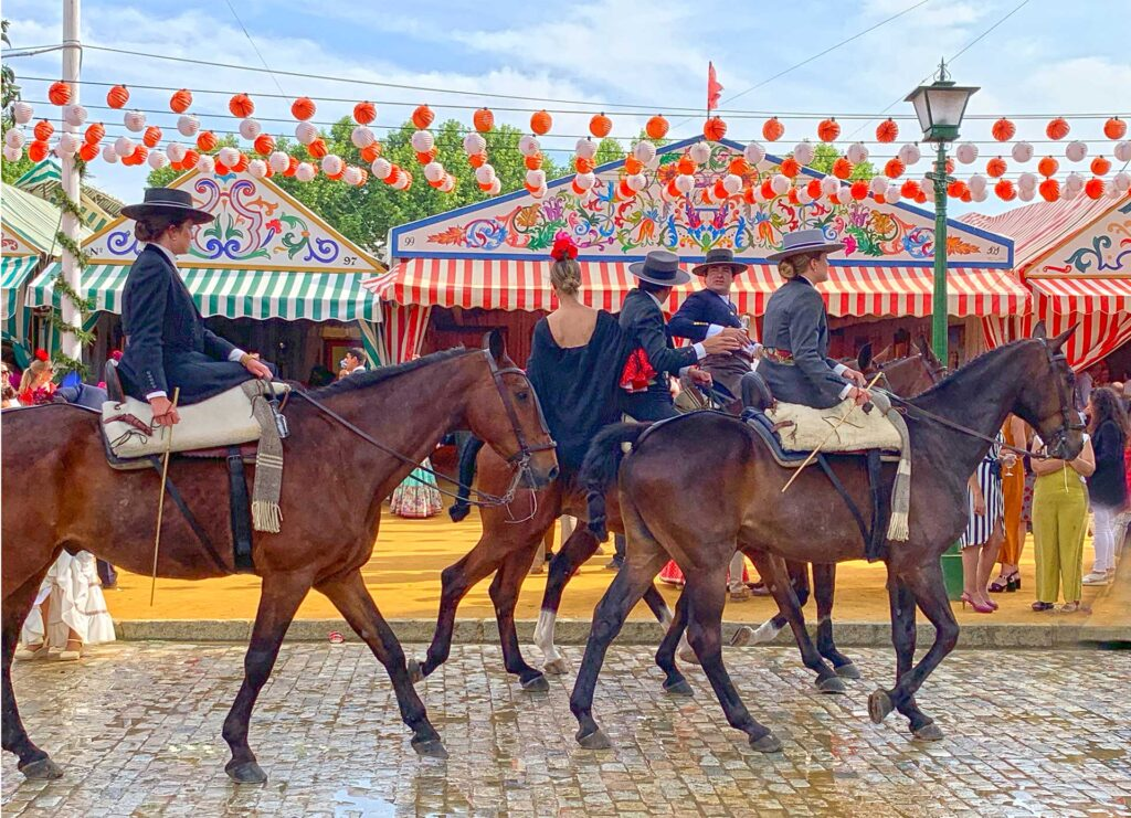 Attend the Seville Fair in total exclusivity with Paladar y Tomar
