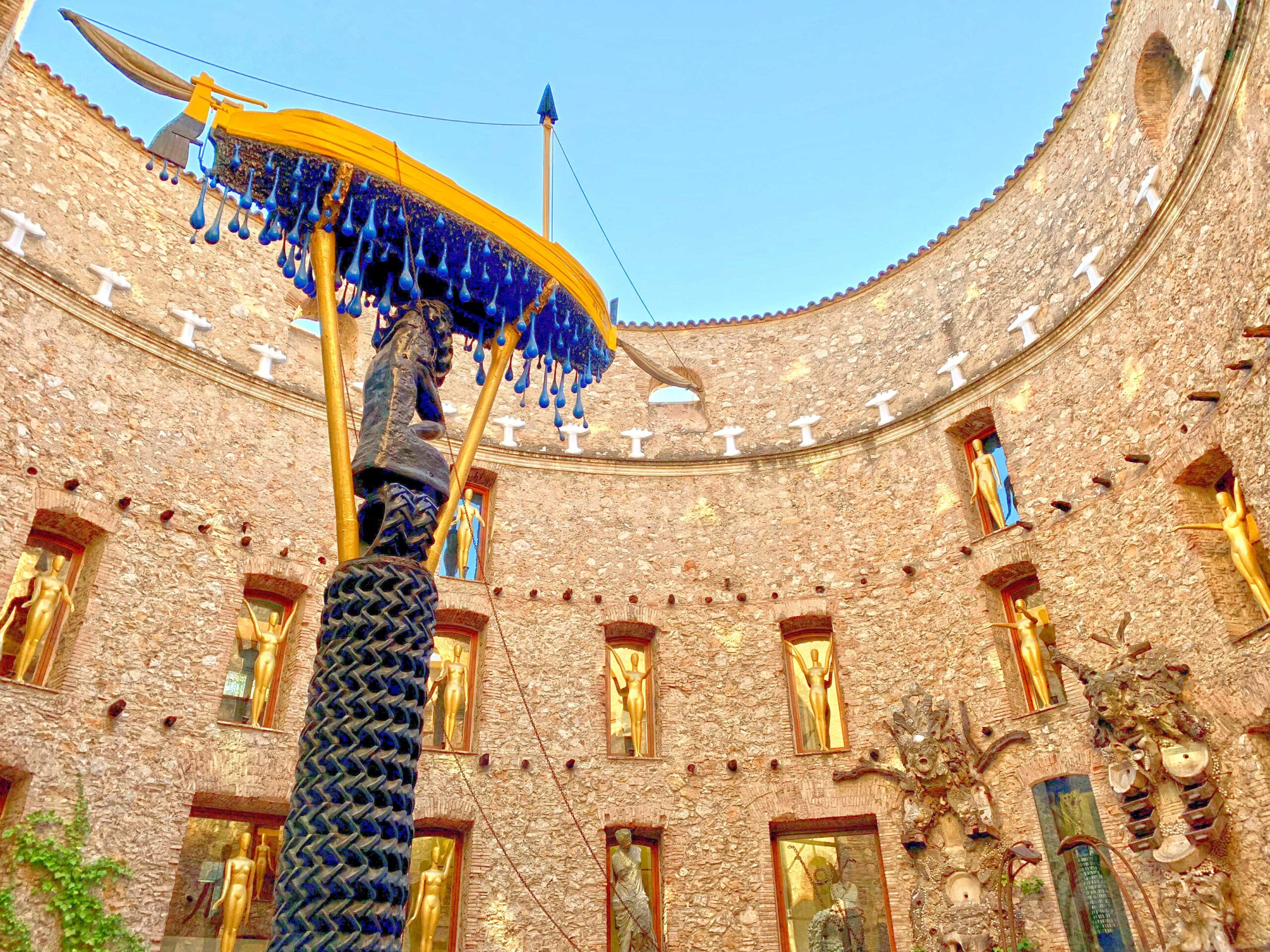 A memorable private guided tour of Dali Museum with Paladar y Tomar