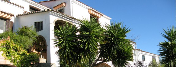 A stunning private villa for luxury holidays in Malaga, by Paladar y Tomar