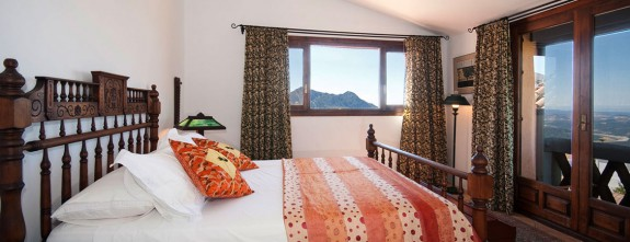 All rooms benefit from impressive views of Gaucin and the Genal Valley