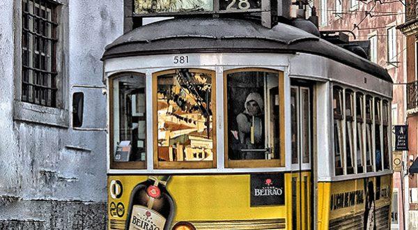 Explore Lisbon with Paladar y Tomar