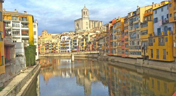Girona, enjoy a private city tour with Paladar y Tomar