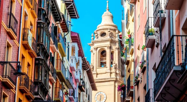 Pamplona, capital of Navarra and San Fermin, discover it with Paladar y Tomar