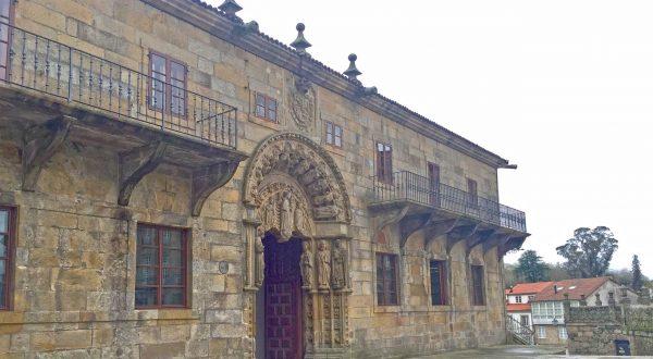 Enjoy a private guided tour of Santiago de Compostela, Paladar y Tomar