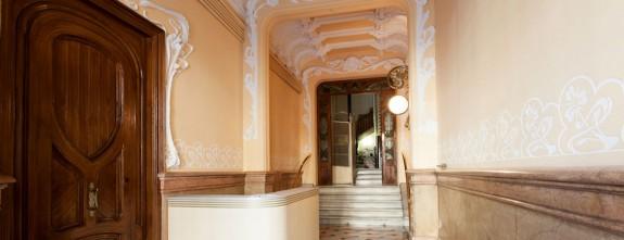 Gracia 2, Barcelona Luxury apartment in Paseo de Gracia, building noble entrance