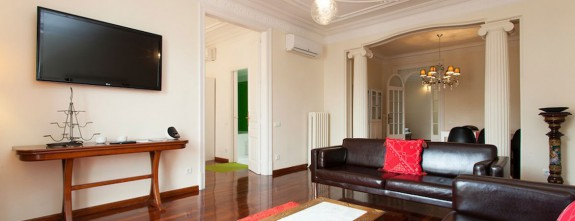 Gracia 4, Barcelona Luxury apartment in Paseo de Gracia, for customized holidays