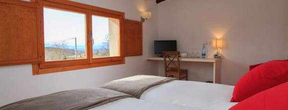 All rooms are set in the old dovecot of ancient farm in Priorat