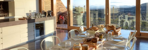 Enjoy breakfast overlooking the vineyards in Priorat